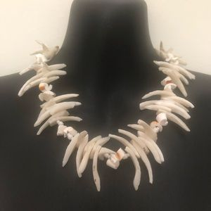 Vintage White Choker Shell Necklace Chunky Style